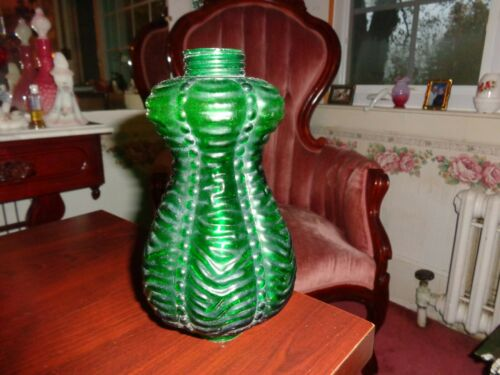 Fenton/LG Wright Green Lamp Font