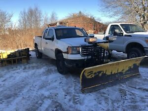 2008 GMC Sierra w 7.5' HD Fisher minute mount 2 plow