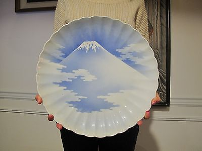 Rare Large Japanese Meiji 19th Century Blue White Mt.Fuji Scallop Rim Imari 15""