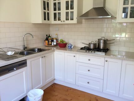 THORNBURY ATTRACTIVE FURNISHED TERRACE HOUSE 3  MONTH RENTAL
