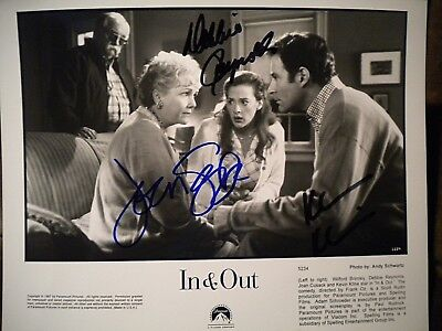 Debbie Reynolds  Joan Cusack   Kevin Kline Autographed 8X10 Photo   In   Out
