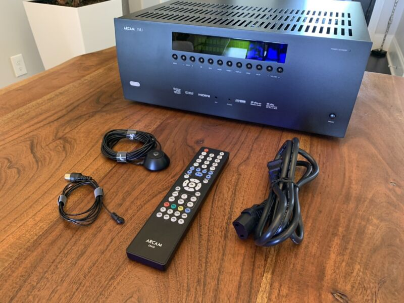 Arcam AVR 380 A/V Surround Amplifier