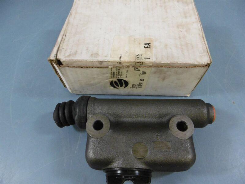NIB Hyster 288869 Master Cylinder Forklift Parts