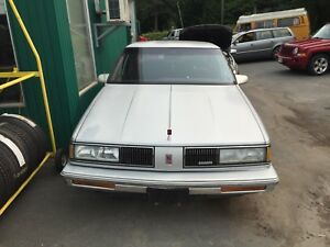 1988 Oldsmobile Delta 88 Royal Brougham