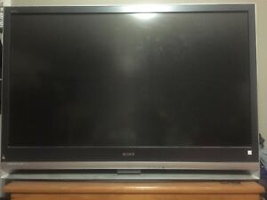 "Sony 60"" TV HD"