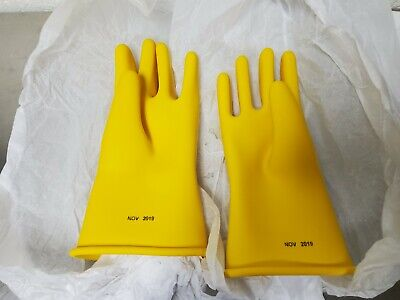 Marigold Rubber Insulating Gloves - Size 10 - Type 1 Length 11 Yellow Roll Cuff