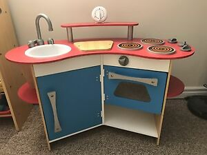 Melissa and Doug Wooden Kitchen