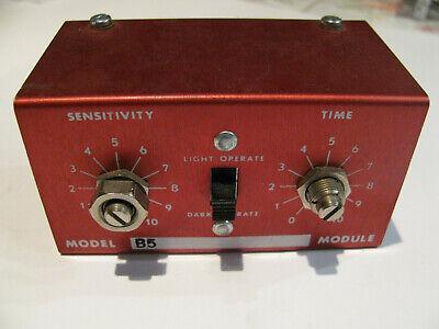 Banner Photoelectric B5 Amplifier Logic Module. Light Dark Sensitivity Monitor