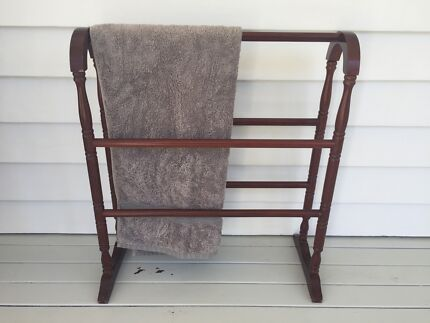 TOWEL RACK Miami Gold Coast South Preview