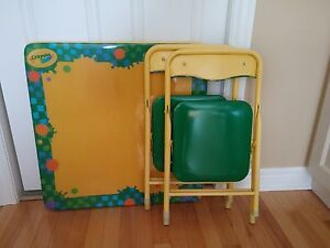 Crayola folding activity table and 2 chairs.  London Ontario image 1