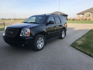 2010 GMC Yukon slt LOW KMS