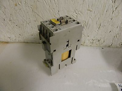 Allen Bradley Contactor Relay, 700-CF220Z*, Series A, 24VDC Coil, Used, WARRANTY