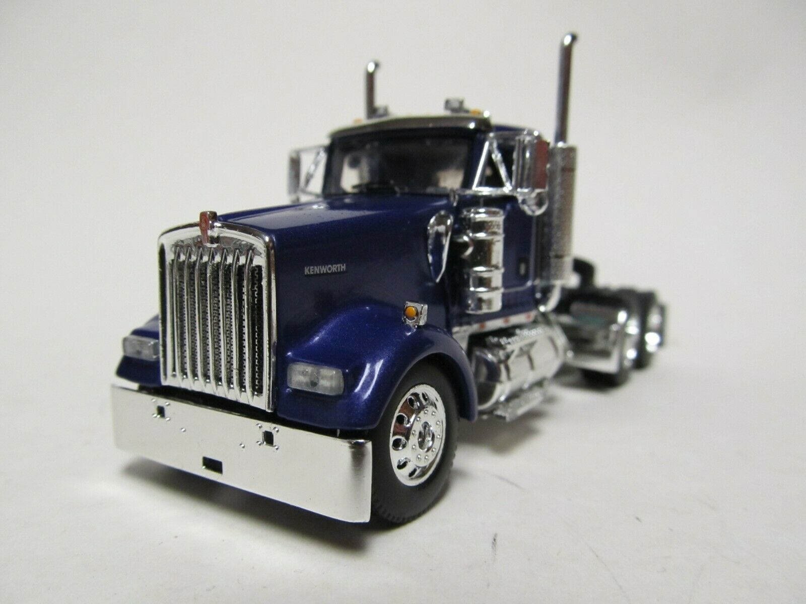 DCP / FIRST GEAR 1/64 SCALE W-900 KENWORTH DAY CAB, PURPLE, YELLOW ENGINE