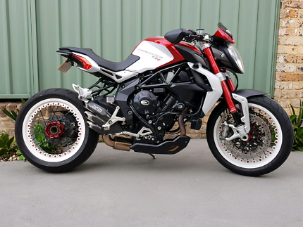 MV AGUSTA Brutale Dragster 800 RR Liverpool Liverpool Area Preview