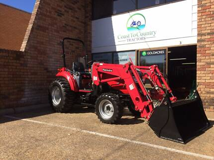 Mahindra 1533G Tractor with loader & 4in1 bucket