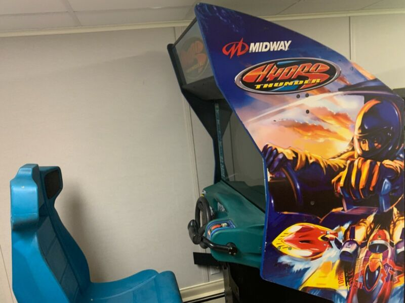 HYDRO THUNDER Boat Racing Arcade Driving Video Game Machine - WORKS GREAT!