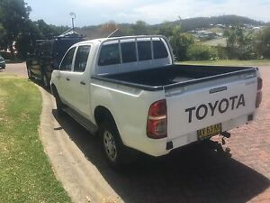 4x4 Toyota hilux dual cab Forster Great Lakes Area Preview