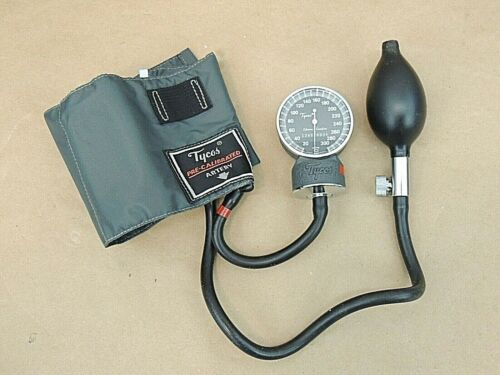 TYCOS BLOOD PRESSURE MONITOR WITH CHILD SIZE CUFF