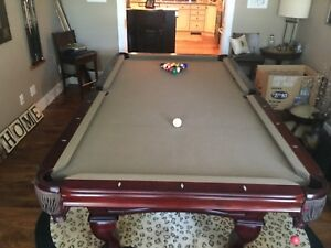 Ambrosia Beringer Pool Table with Pool Cues & All Accessories