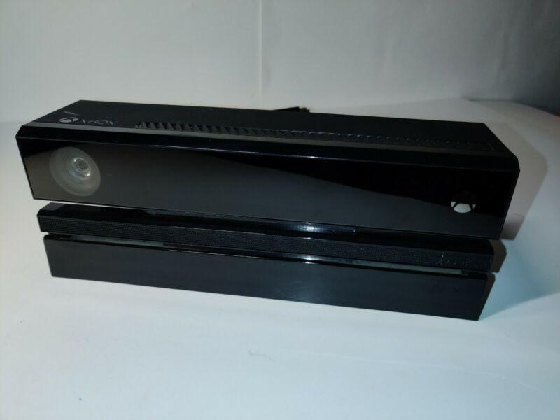 Microsoft Xbox One Kinect Sensor Camera Bar - Model 1520. With TV Mount.