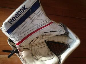Reebok Premier 4 Goalie Gloves Kitchener / Waterloo Kitchener Area image 8