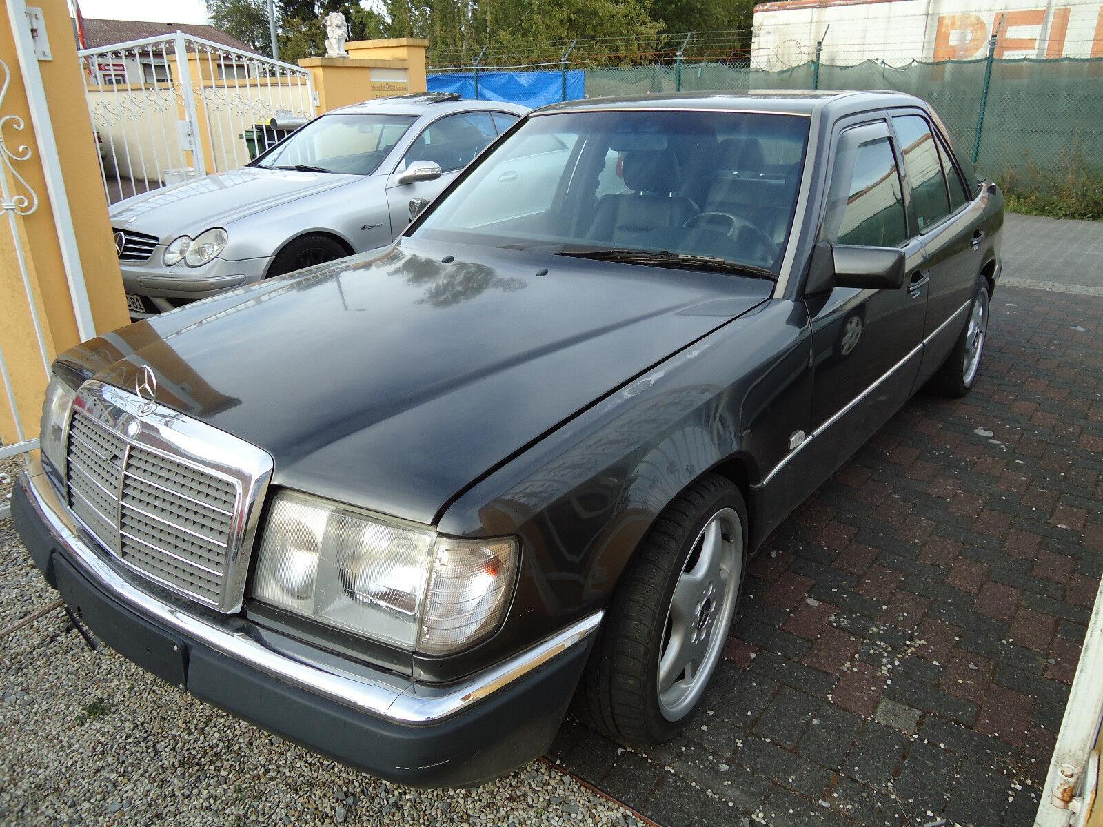 Mercedes Benz 300 E W124 schwarz Bj. 3/92 mit Klimaanlage TÜV: fällig