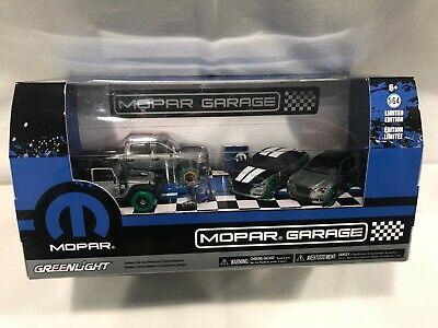 """Greenlight HTF Green Machine/RAW """"MOPAR GARAGE"""" 4 Car Diorama 1:64 MIB!"""