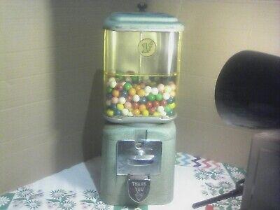 Vintage 1¢ gumball machine