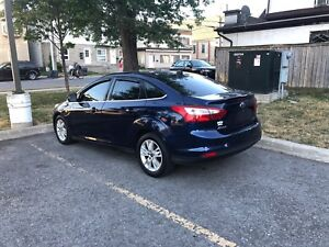 2012 Ford Focus FULLY LOADED CERTIFIED (remote start, Bluetooth)