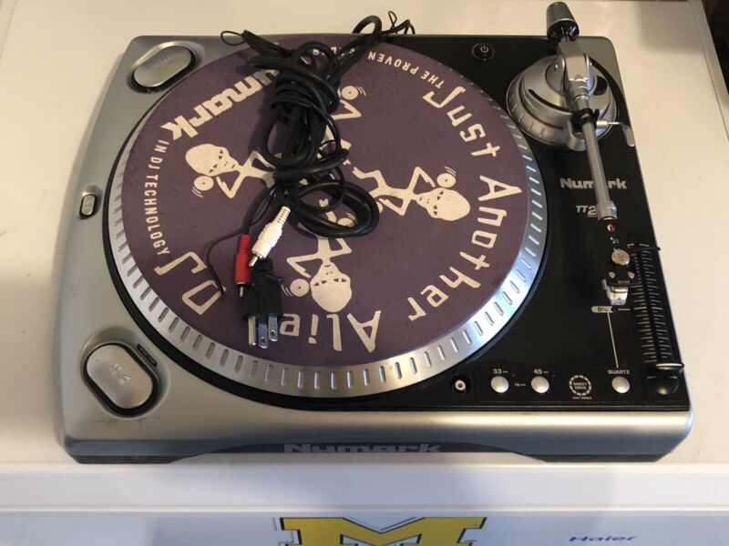 Numark TT200 High Torque Used Direct Drive Turntable with Stanton 500 Cartridge