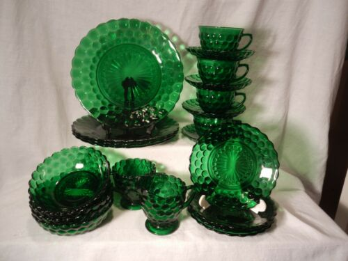 Vtg. 22 Piece FOREST GREEN PROVINCIAL BUBBLE GLASS DINNERWARE  [lot A]