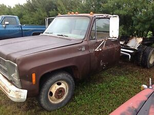1979 3500 GMC truck Runs and drives $1280