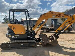 Excavator Hyundai R35IC-9 Glanmire Gympie Area Preview