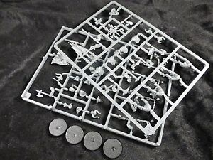 AoS Slaves to Darkness Chaos Marauders on Plastic Frame