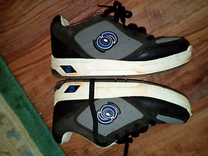 SKATE ROLLER SHOE - 'SPINNERS' SIZE 4-5 Darling Heights Toowoomba City Preview