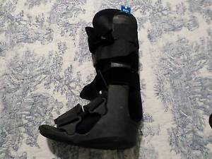 Moon boot in excellent condition Westmead Parramatta Area Preview