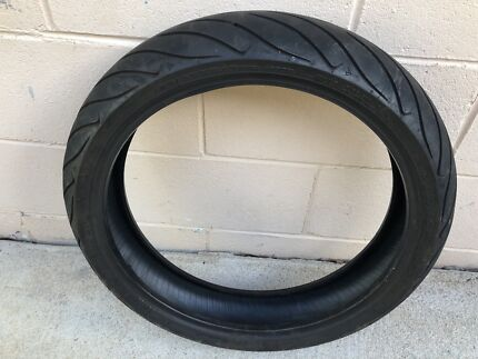 DUNLOP TYRE EXCELLENT CONDITION