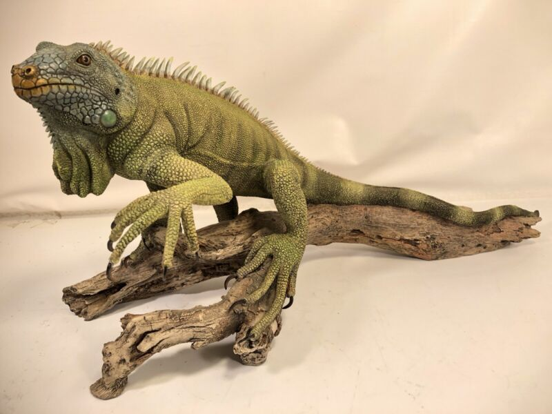 """Retired Extremely Rare Iguana 20"""" Vintage Country Artists Large Model 02314"""