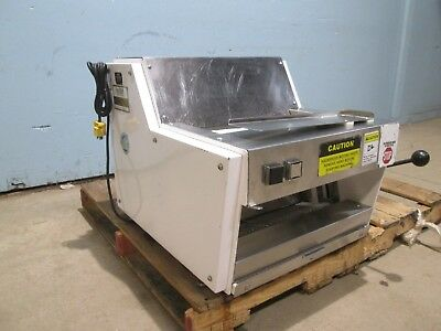 Oliver 711 Heavy Duty Commercial Counter Top Bread Slicer Machine