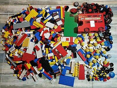 5lbs 1970s Vintage Legos 760 London Bus Complete W extras, wheels wigs people