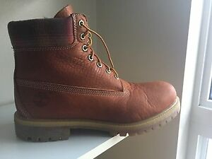 Timberlands boots for sale. Size 10