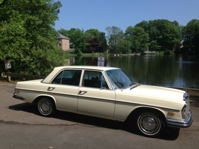 Mercedes-Benz : 200-Series 1972 MERCEDES BENZ 280SE 4.5 V8 FULLY RESTORED CLASSIC MINT COLD AC ANTIQUE