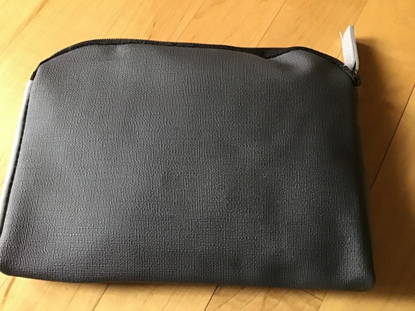 TUMI TOILETRY BAG, TWO-TONE GRAY, NEW, MADE FOR AIRLINE - $6.99