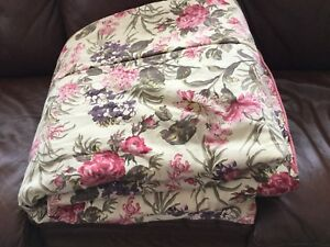 Double Size Floral Comforter Reversible