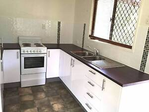 Entire House with 3 bed rooms $400 (All inclusive) Eight Mile Plains Brisbane South West Preview