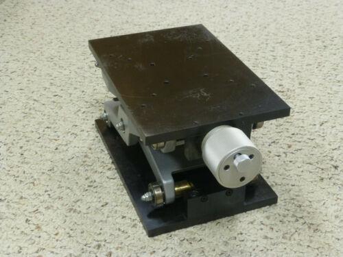 Newport / Micro-Controle M-EL120 Vertical Translation Stage / Lab Jack, Metric
