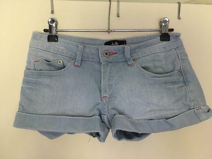 Clothing - women's size 6