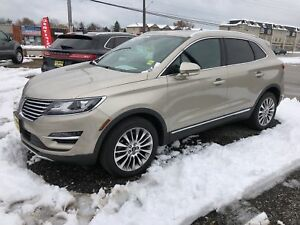 2015 Lincoln MKC Navigation, Leather, Panoramic Sunroof, 33,000k