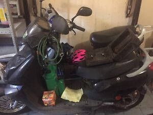 Selling two Ebike's for sale together for 200