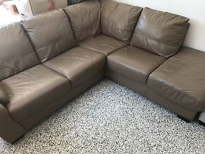 Leather Chaise Lounge Wellington Point Redland Area Preview
